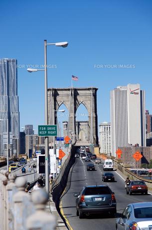ブルックリン側から見たブルックリンブリッジの写真素材 [FYI00058658]