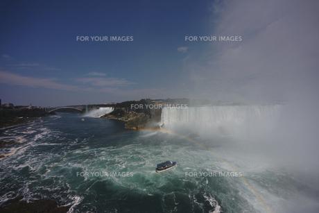 ナイアガラの滝と虹の写真素材 [FYI00059164]
