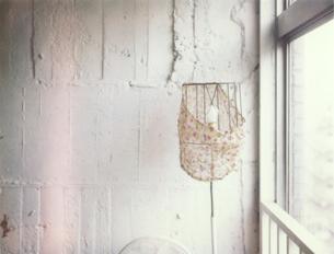 ランプのある部屋の素材 [FYI00059319]