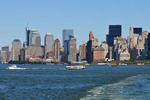 マンハッタン南端、バッテリーパークとワールドファイナンシャルセンターの写真素材 [FYI00059656]