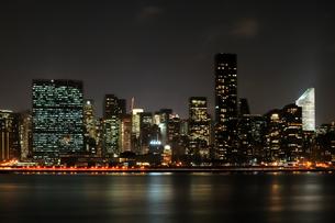 ニューヨーク、マンハッタンの夜景の写真素材 [FYI00059705]