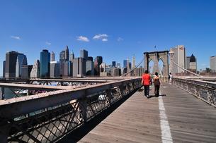 ブルックリンブリッジとマンハッタンの写真素材 [FYI00059716]