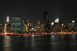 ミッドタウンニューヨークの夜景の写真素材 [FYI00059745]