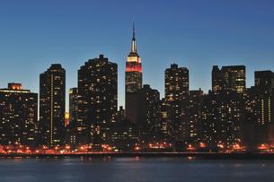 バレンタインナイトのニューヨークの写真素材 [FYI00059769]