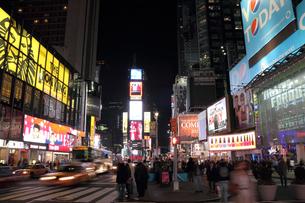 タイムズスクエア 夜景の写真素材 [FYI00059951]