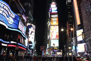 タイムズスクエア 夜景の写真素材 [FYI00059970]