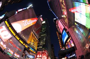 タイムズスクエア夜景の写真素材 [FYI00060090]