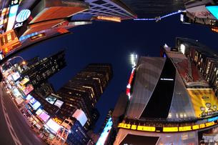 タイムズスクエア夜景の写真素材 [FYI00060108]