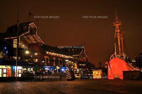 クリスマスのサウスストリートシーポートの写真素材 [FYI00060426]