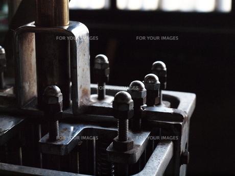 機械のネジの写真素材 [FYI00060912]