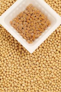 納豆と小粒大豆の素材 [FYI00061035]