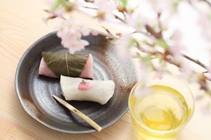 長命寺桜餅の写真素材 [FYI00061036]