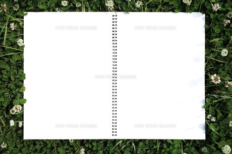 草原のスケッチブックの写真素材 [FYI00061052]