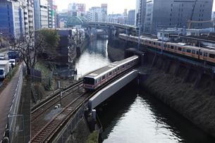 聖橋から望む朝の神田川の写真素材 [FYI00061065]