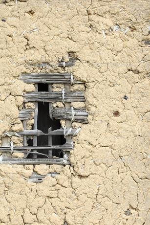 納屋の土壁の写真素材 [FYI00061250]