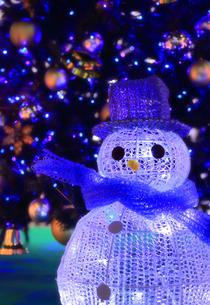 雪だるまのクリスマスイルミネーションの写真素材 [FYI00061388]