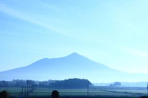 早朝の筑波山の山並みの写真素材 [FYI00061422]