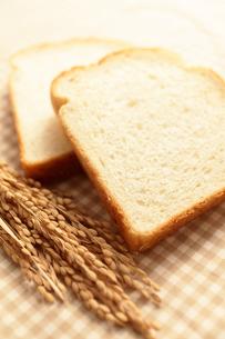 米粉パンと稲穂の素材 [FYI00061466]