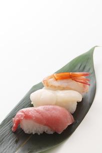 にぎり寿司3種の写真素材 [FYI00061671]