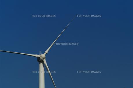 青空と風車の素材 [FYI00061732]
