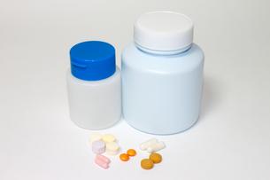 サプリメント・薬イメージの写真素材 [FYI00061837]