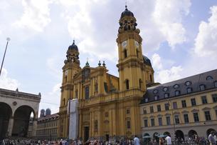 ドイツ ミュンヘン テアティーナー教会の写真素材 [FYI00062671]