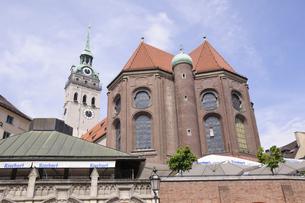 ドイツ ミュンヘン ペーター教会の写真素材 [FYI00062673]