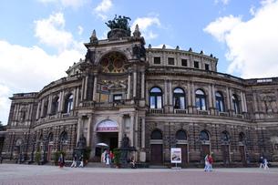 ドイツ ドレスデン ゼンパーオペラの写真素材 [FYI00062762]