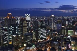 大阪 梅田の超高層ビル群の写真素材 [FYI00062837]