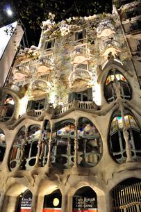 スペイン バルセロナ カサ・バトリョの写真素材 [FYI00062994]
