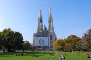 オーストリア ウィーン ヴォティーフ教会の写真素材 [FYI00063021]