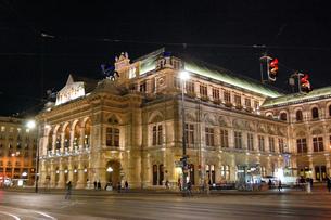 オーストリア ウィーン 国立オペラ座の写真素材 [FYI00063023]