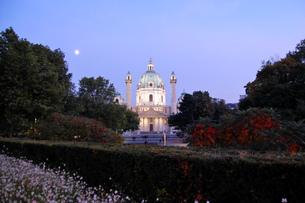 オーストリア ウィーン カールス教会の写真素材 [FYI00063035]