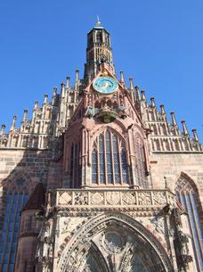 ドイツ ニュルンベルク フラウエン教会の写真素材 [FYI00063059]