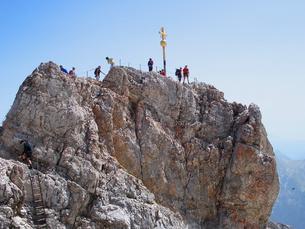 ドイツ ツークシュピッツェ山頂の写真素材 [FYI00063229]