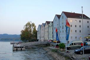 ドイツ パッサウ ドナウ川沿いの景観の写真素材 [FYI00063289]