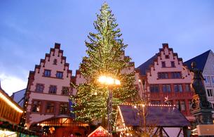 ドイツ フランクフルト クリスマスマーケットの素材 [FYI00063395]