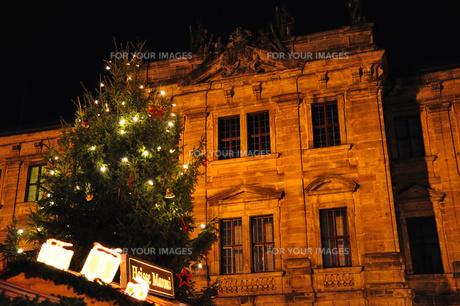 クリスマスのドイツの町並みの素材 [FYI00063416]