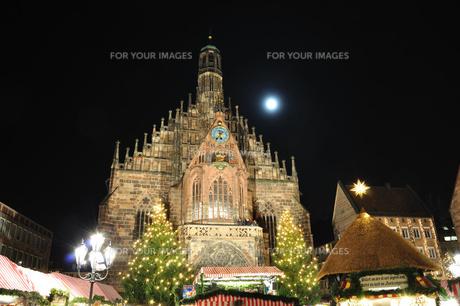 ドイツ ニュルンベルク クリスマスイルミネーションの素材 [FYI00063430]