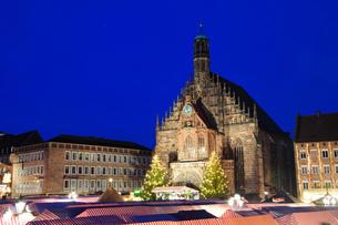ドイツ ニュルンベルク クリスマスイルミネーションの素材 [FYI00063446]