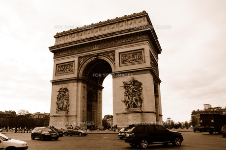 フランス パリ 凱旋門 セピアの素材 [FYI00063469]