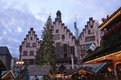 ドイツ フランクフルト クリスマスマーケットの素材 [FYI00063490]