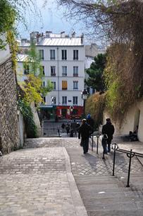 フランス パリ モンマルトルの階段の写真素材 [FYI00063494]