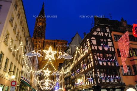 フランス ストラスブール クリスマスイルミネーションの素材 [FYI00063508]