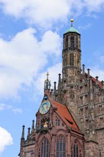ドイツ ニュルンベルク フラウエン教会の写真素材 [FYI00064144]