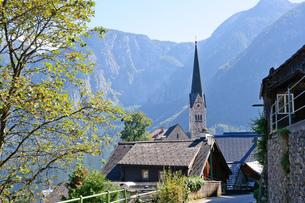 オーストリア ザルツカンマーグート ハルシュタットの町並みの素材 [FYI00064233]