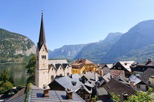オーストリア ザルツカンマーグート ハルシュタットの町並みの素材 [FYI00064245]