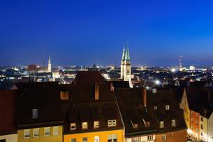 ドイツ ニュルンベルク旧市街の夜景の素材 [FYI00064428]