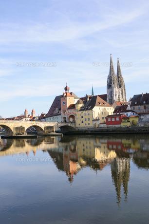 ドイツ レーゲンスブルク旧市街の町並みの素材 [FYI00064447]
