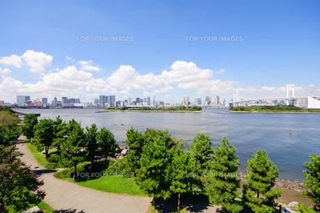 東京 お台場海浜公園からの眺めの素材 [FYI00064863]